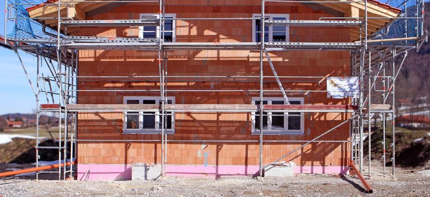 oznaki-osiadania-budynku